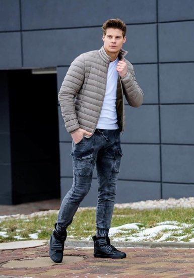Stylizacja nr 160 - kurtka przejściowa, T-shirt męski, spodnie jeansowe joggery, buty sneakersy
