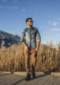 Stylizacja nr 196 - koszula jeansowa, spodnie joggery, buty