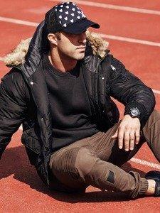 Stylizacja nr 323 - kurtka zimowa parka, bluza bez kaptura, spodnie joggery