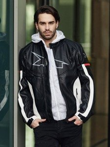 Stylizacja nr 361 - kurtka skórzana, bluza z kapturem, T-shirt bez nadruku, bojówki